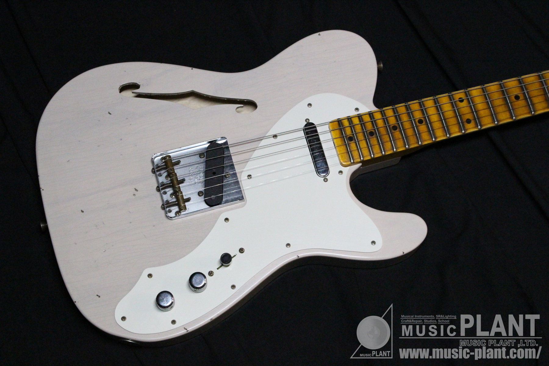 Custom Shop 50s Thinline Tele Journeyman Relic Aged Dirty White Blonde追加画像