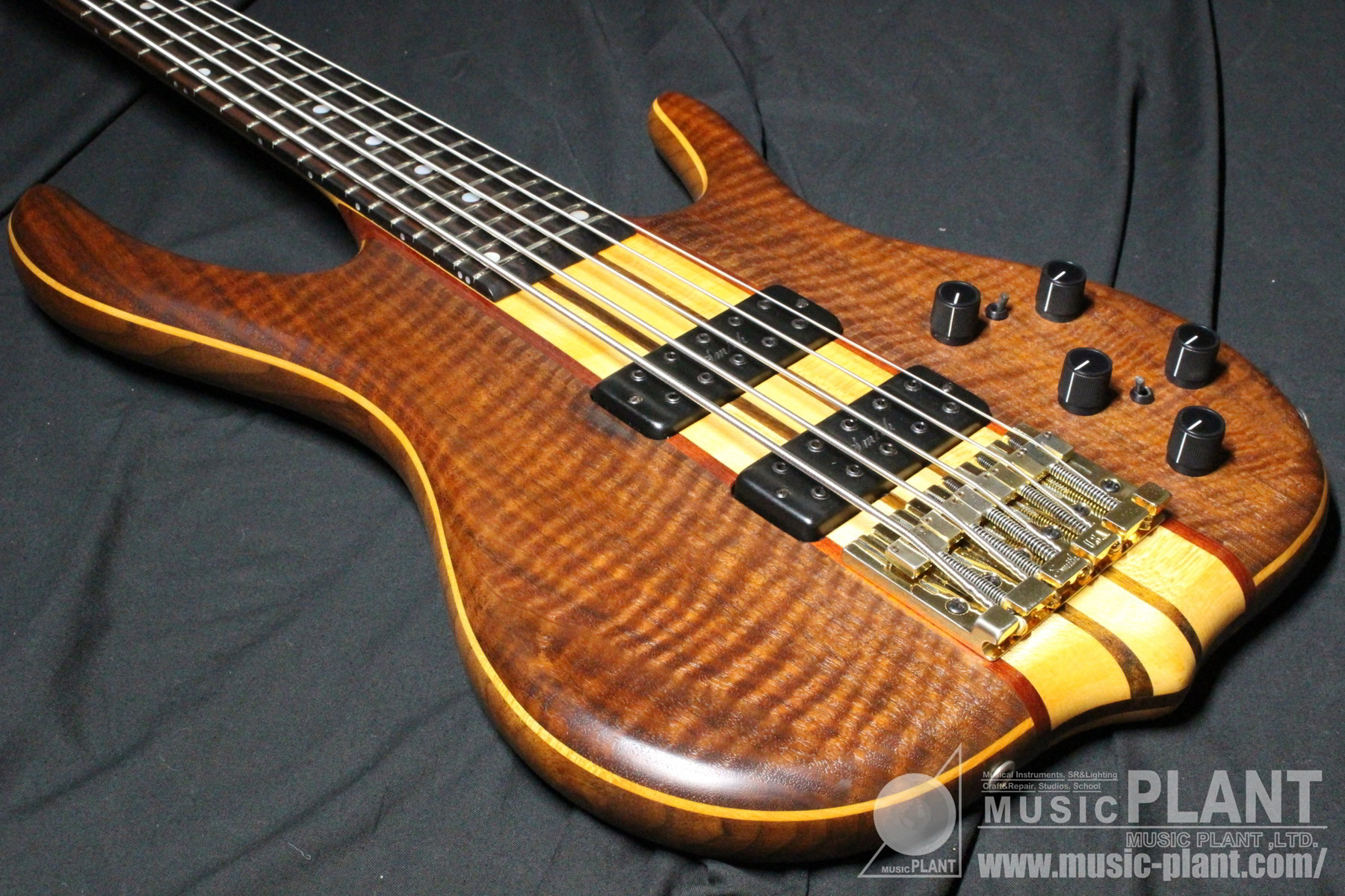 BSR-5GN-FF Claro Walnut Top追加画像