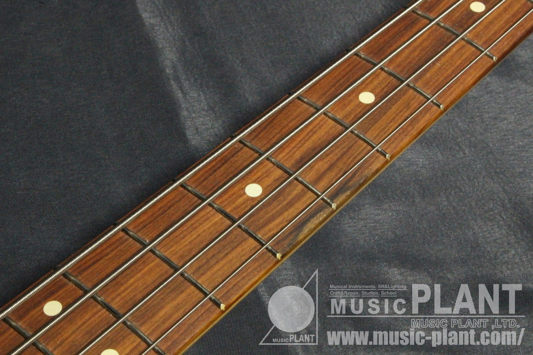 Vintera '60s Jazz Bass Firemist Gold追加画像