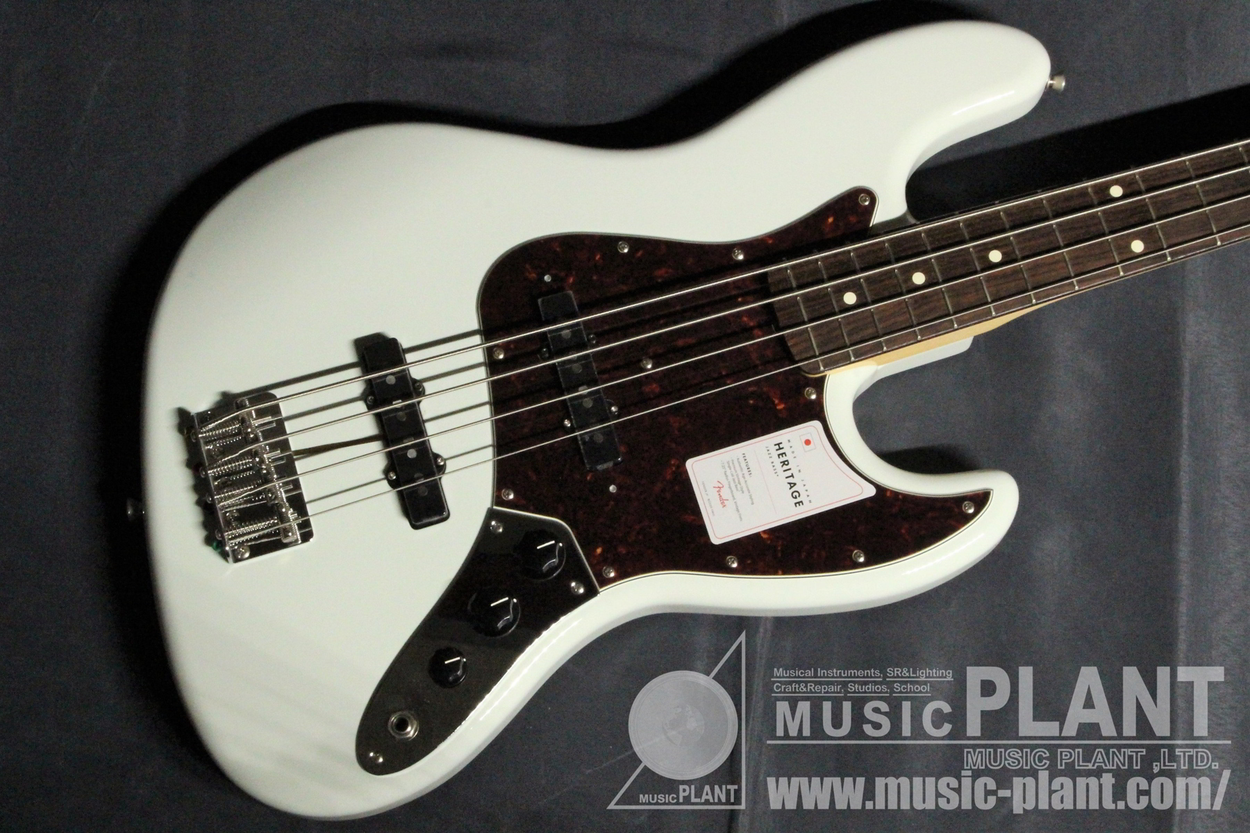 Made in Japan Heritage 60s Jazz Bass Olympic White追加画像