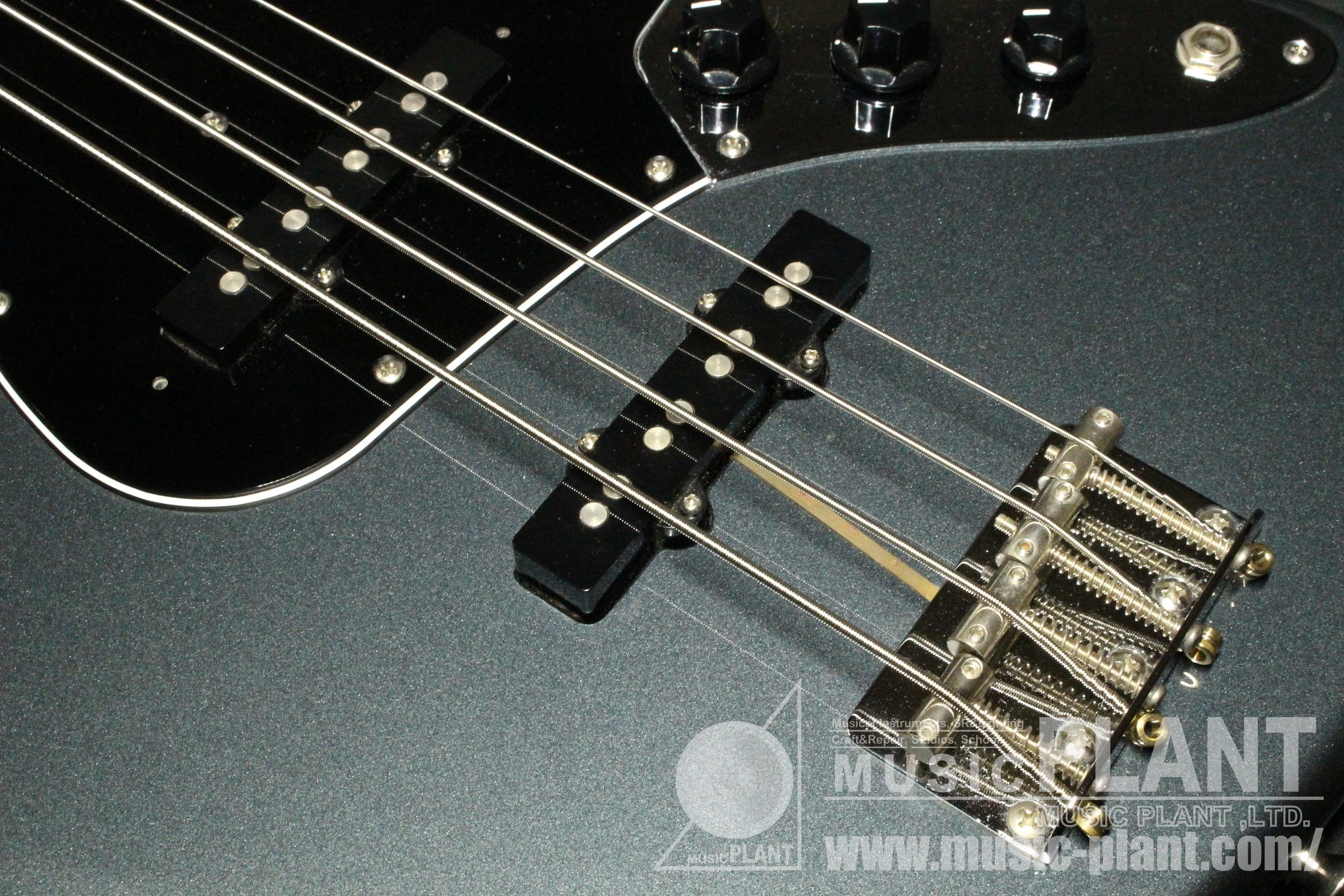Classic 60s Jazz Bass US Gun Metal Blue追加画像