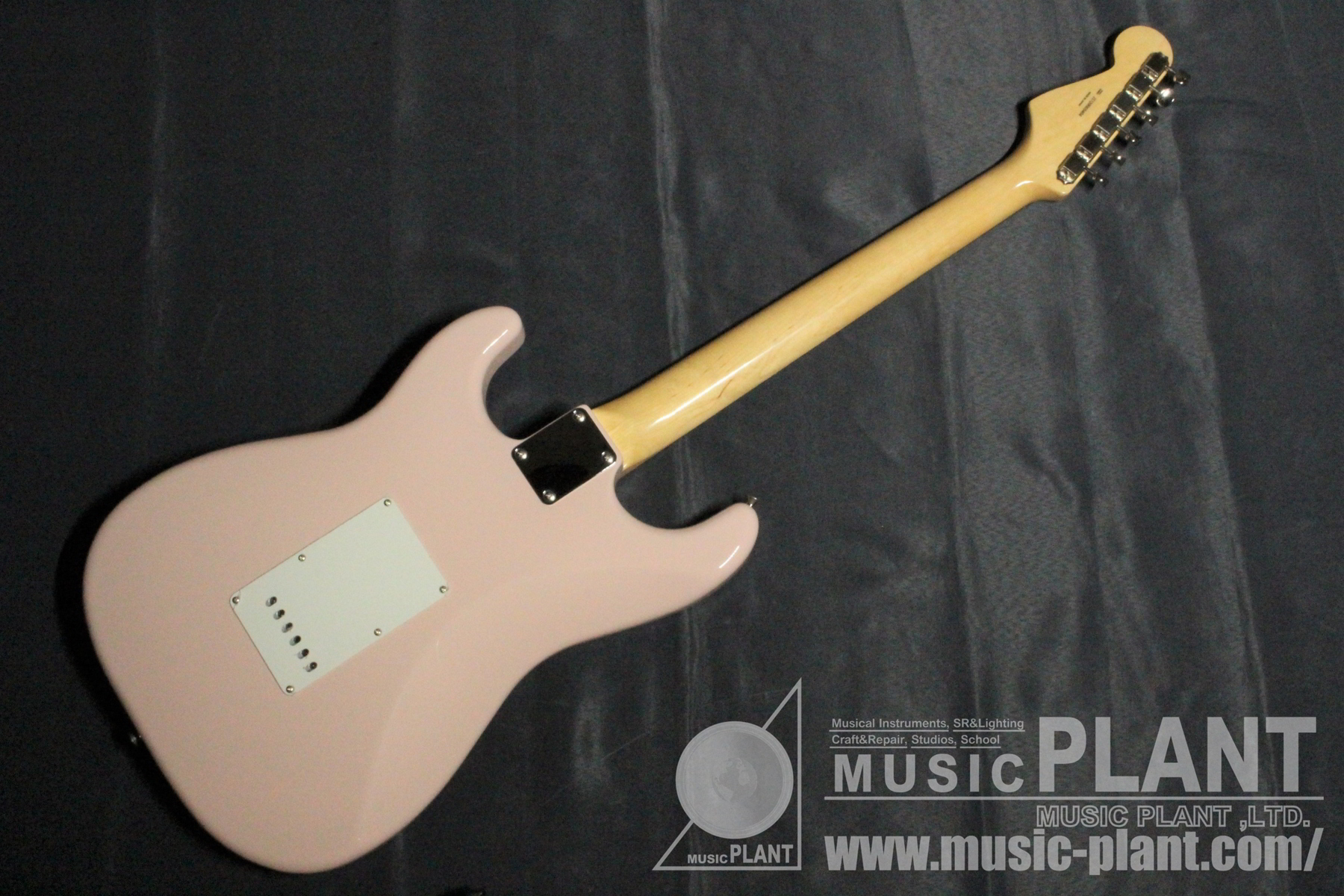 MADE IN JAPAN TRADITIONAL 60S STRATOCASTER Shell Pink背面画像