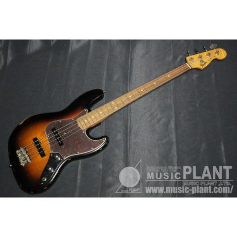 Fender60th Anniversary Road Worn® Jazz Bass®, Pau Ferro, 3-Color Sunburst